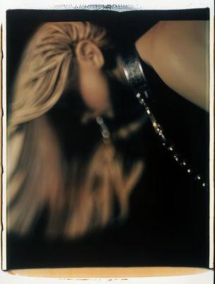 FOTOMUSEUM WINTERTHUR : DARKSIDE – Fotografische Begierde und fotografierte Sexualität - David Levinthal : #120, 2000, Sofortbild, 60 x 50 cm ; Courtesy Galerie Xippas, Paris