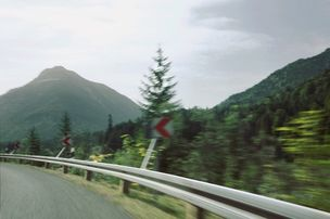 MARION ENSTE-JASPERS : Thomas SCHWOERER for BMW-MAGAZIN