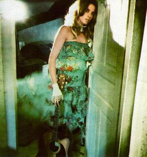 BIGOUDI : CHARLINE Robichaud for BRIGITTE