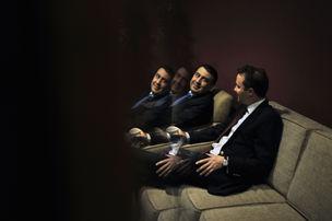 MAGNUM PHOTOS : Micheil Saakaschwili mit Berater Daniel Kunin, NBC Studios, New York, September 2008 © Thomas Dworzak