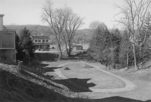 Andrew Borowiec : Along the Ohio - Sistersville, West Virginia, 1987