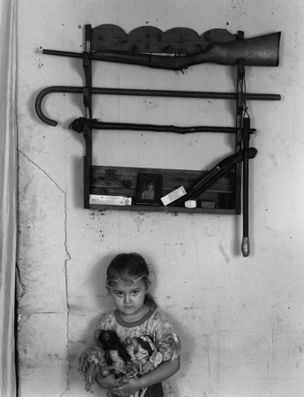 Shelby Lee Adams : Salt & Truth - Amanda with Dolls, 2002