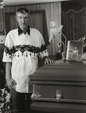 Shelby Lee Adams : Salt & Truth - Jerry at James Funeral, 2009