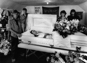 Shelby Lee Adams : Salt & Truth - Louverna's Funeral with Brothers, 2008