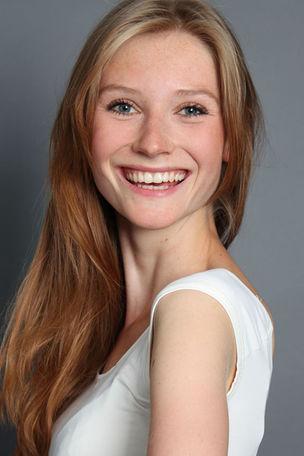 NEW @ BRODYBOOKINGS : Amelie-Laura