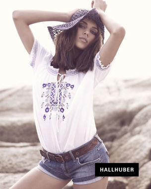 HILLE PHOTOGRAPHER : Julia GROSSI for HALLHUBER