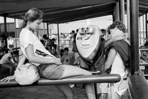 M+B GALLERY : Jones Beach by Joseph Szabo