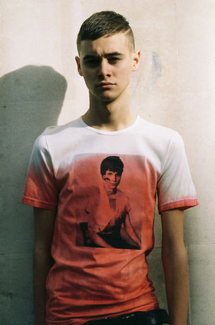 HERO MAGAZINE #4 - Get your JW Anderson T-Shirt