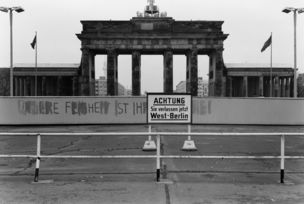 Peperoni Books presents Grenzarchiv West-Berlin 1978/1979 by Hans W. Mende