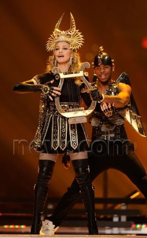 SUPERBOWL 2012 : Madonna wears Givenchy