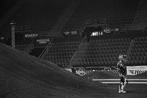 AVENGER PHOTOGRAPHERS : Stev BONHAGE for REDBULL