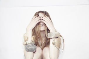 AK/KRUSE ARTIST MANAGEMENT : Serena BECKER for XENIA BOUS JEWELLERY