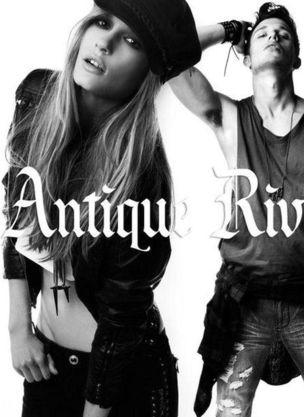 MUNICH MODELS : SOPHIE Oosterwaal / DIEGO Krauss for ANTIQUE RIVET