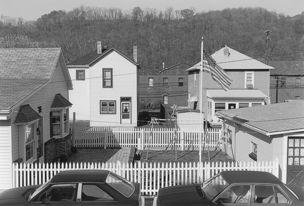 Andrew Borowiec : Along the Ohio - Wellsville, Ohio, 1993