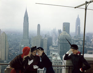 Gallery Vassie : Norman Parkinson, Young Velvets, Young Prices, New York, Vogue, 1949