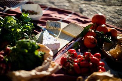 EMEIS DEUBEL: Autumn Sonnichsen for Santander