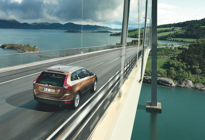 HANNE EVANS PRODUCTION SERVICES : VOLVO CAR / Serie 60 BROCHURE-advertising