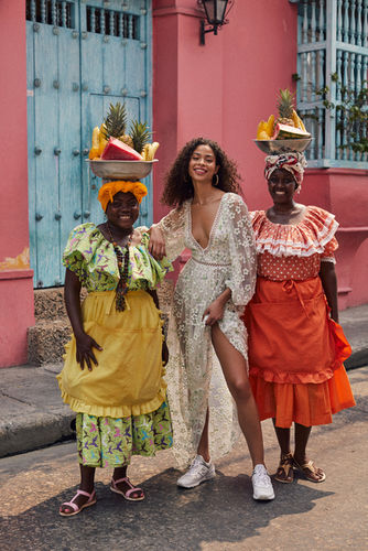 7 SEAS PRODUCTIONS for Love and Lemons in Cartagena, Colombia