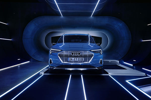 NERGER M&O presents you the AUDI e-tron reveal campaign by photographer Jan VAN ENDERT on GoSee, plus his editorial 'My Sun is Rising' for MERCEDES-BENZ Classic magazine