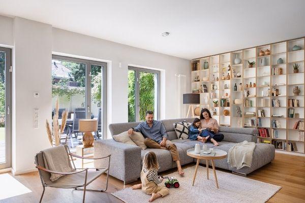 BOSCH SMART HOME with people & interior motifs by PHILIPP LANGENHEIM c/o FARIYAL KENNEL