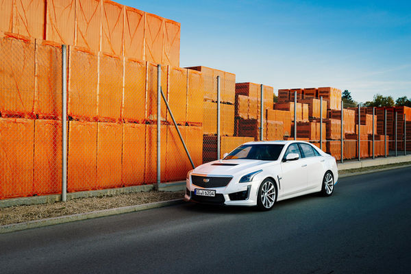 CADILLAC V Series photographed by Tilmann FRANZEN c/o CHRISTA KLUBERT for GENERAL MOTORS
