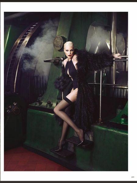 VIVA MODELS: Nadja Auermann on the cover of Vogue Germany November 2014