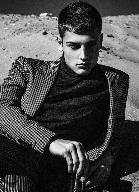 VIVA MODELS: welcomes Adrien JACQUES