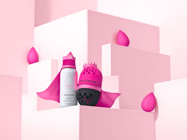 Blender defender to the rescue! Justin Fantl c/o GIANT ARTISTS photographed the latest campaign for Beautyblender.