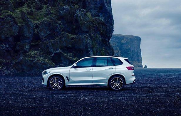 Thomas Schwoeer BMW X5 Island